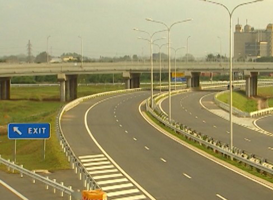 Rupees 5 million income from Colombo-Katunayake expressway