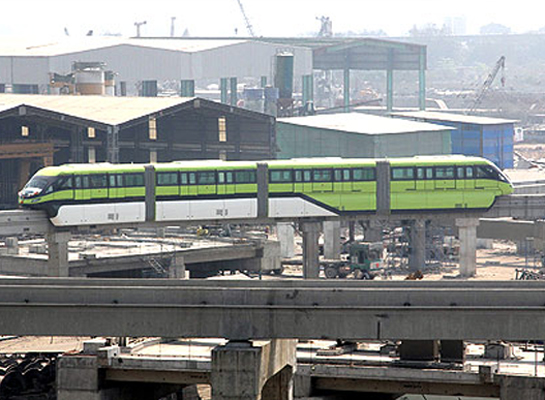 India's first monorail begins operation in Mumbai